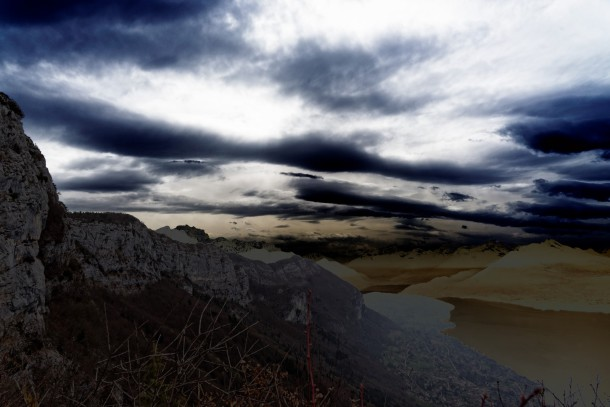 nuages d'onde au dessus du lac d'annecy
